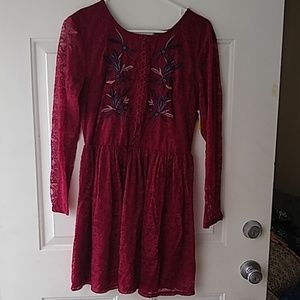 Francesca's maroon long sleeve lace dress